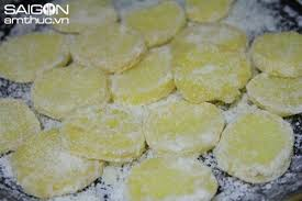 cách làm mứt khoai tây lát ngon giòn 5