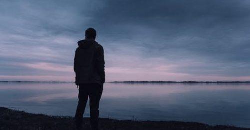 Tuyển tập [199+] Stt buồn tê tái, cô đơn, lạc lõng giữa đời